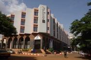 马里首都一酒店游客被劫持